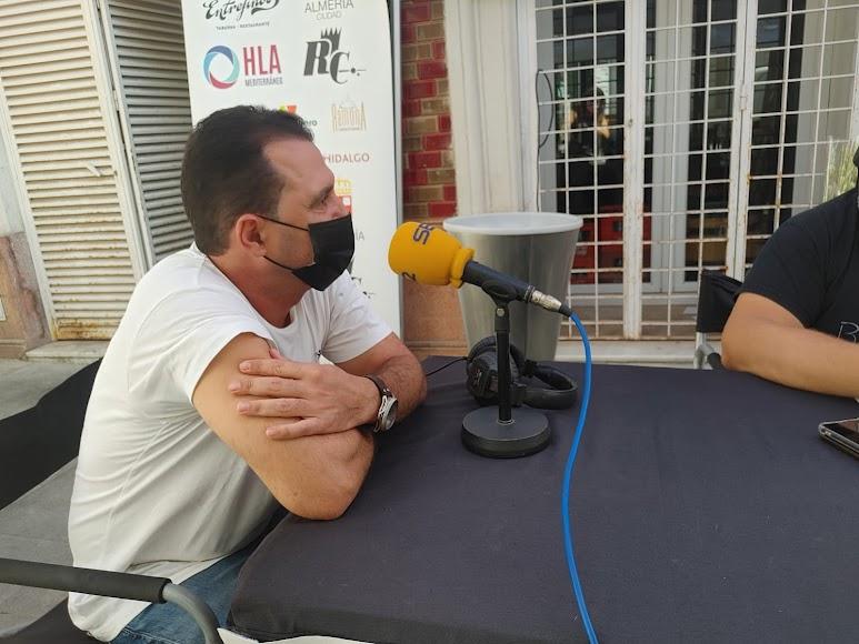 David Ibarra en el set de la SER con Alfredo Casas