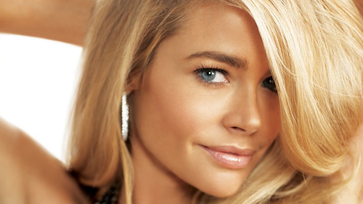 Watch Denise Richards: It's Complicated live