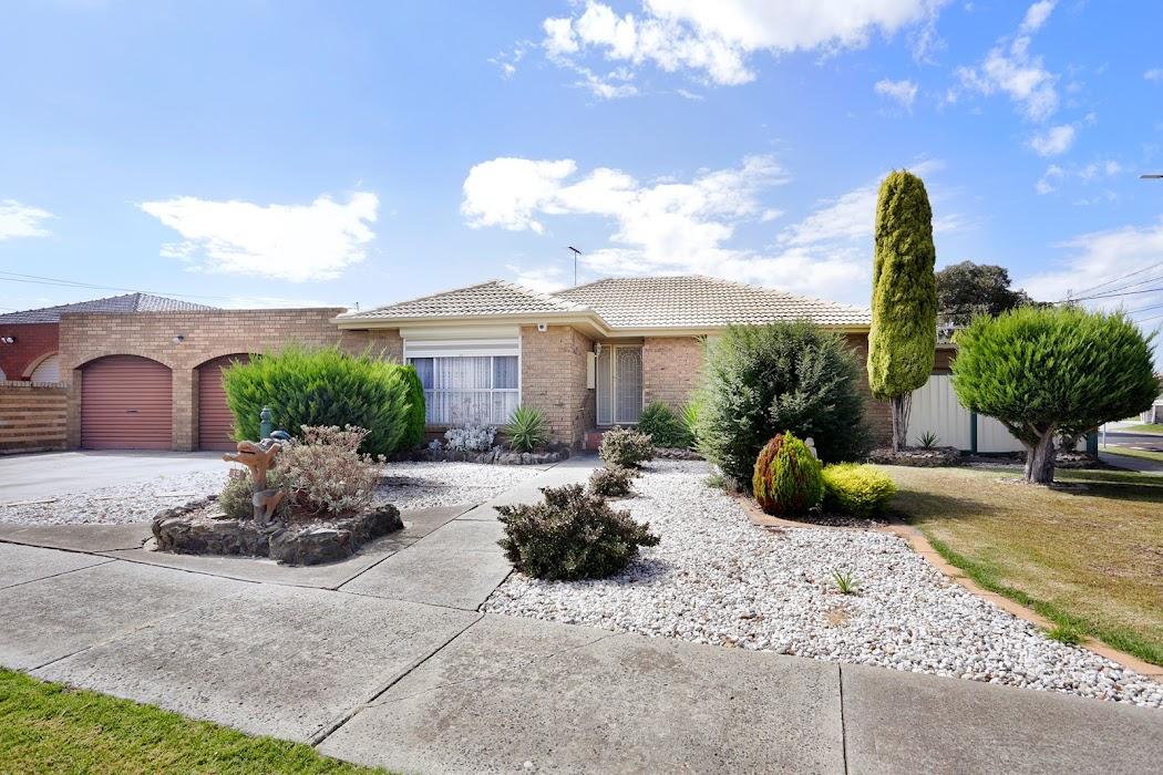 Main photo of property at 19 Wintersun Drive, Albanvale 3021