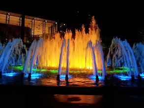 Photo: We arrived in Pittsburgn at 8 pm and were schedule to leave at midnight. After Primantis we walked a bit and settled by the fountain at the Pittsburgh Steel Building.