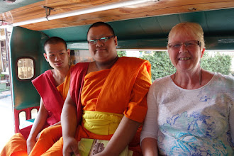 Photo: We had a nice converstation with the novices while riding in a song tong.