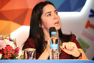Photo: Panel konuşmacılarından Kına DemirelMigros Money Club CRM Grup Müdürü konuşmasını yaparken... www.gelecekgunu.org