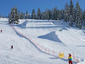 Photo: LIVINGROOM HOCHKÖNIG, der Naturschnee Snowpark im Schigebiet Hochkeil, ist direkt von der Sporta-Hütte aus erreichbar. Besuchen Sie das Boardmuseum.