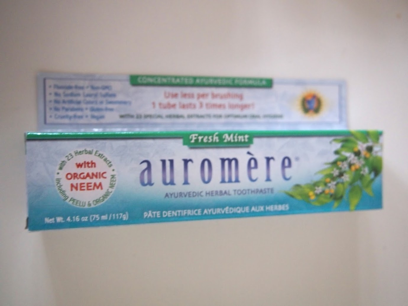Auromere, アーユルヴェーダのハーブ練り歯磨き, フレッシュミント, 4.16オンス(117 g)