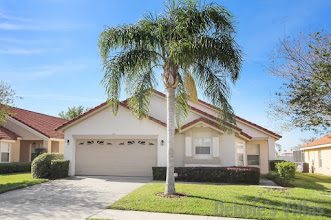 Orlando villa, gated community, close to Disney theme parks, south-facing pool and spa, games room