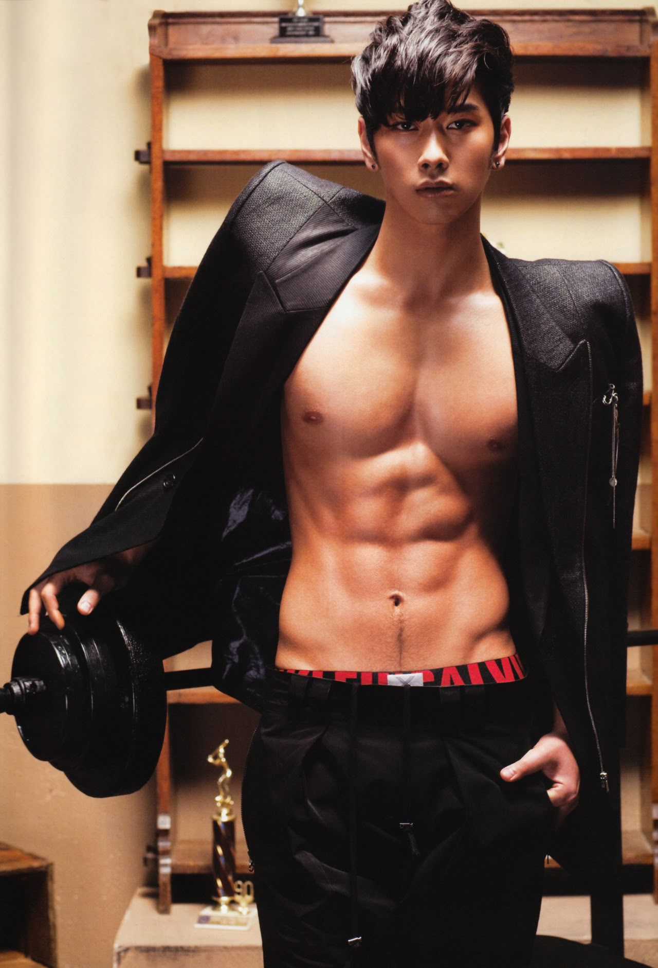 korean-male-topless-jaime-preslley-naked-pics