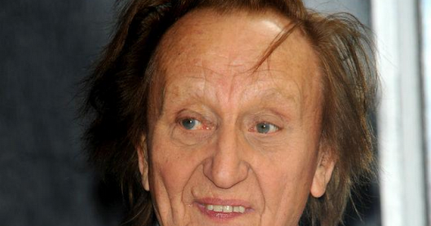 Ken Dodd to be buried with tickling sticks