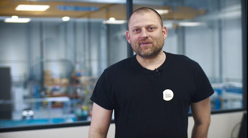 Viktor, Technicien R&D