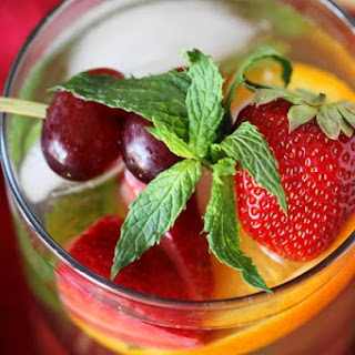 Virgin White Sangria (Printable recipe).