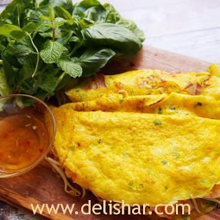 Bánh Xèo (Vietnamese Filled Crepes)