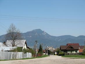 Photo: 04.Z Ludrovej widać świetnie... Wielkiego Chocza (1608 m). Nasz dzisiejszy cel jest niestety niewidoczny.