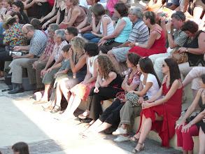 Photo: publiczność - w tym oczywiście my - na pokazie ulicznym