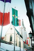 Photo: Chegando em Rottenburg, o Domo no fundo e a bandeira brasileira!