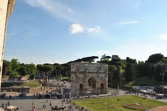 Photo: l'arco di Costantino visto dal Colosseo