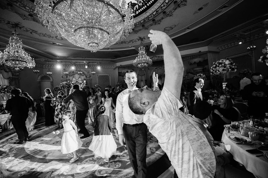 Wedding photographer Artur Pogosyan (Pogart). Photo of 25.12.2017