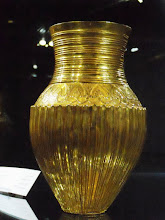 Photo: Gold amphora, Achaemenid, 550-450 BC
