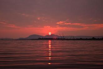 Photo: Sunset over Kariba / Západ slunce nad Karibou