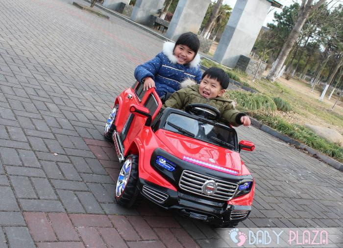 Ô tô điện trẻ em SX-1528 4 cửa mở 3