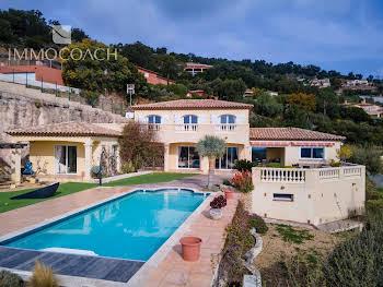 Villa 6 pièces 246 m2