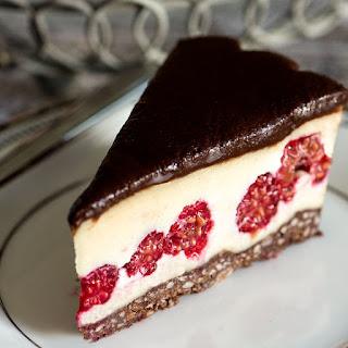 White Chocolate Dark Chocolate Raspberry Tort
