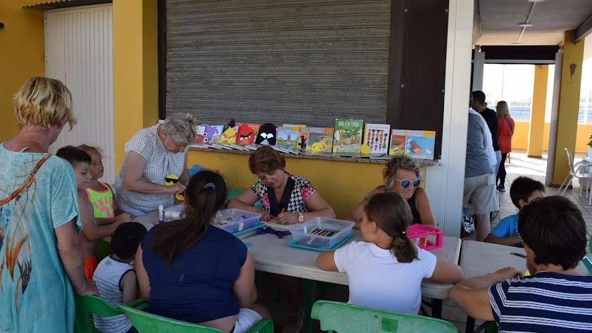 Imagen de uno de los talleres de la Biblio-Piscina.