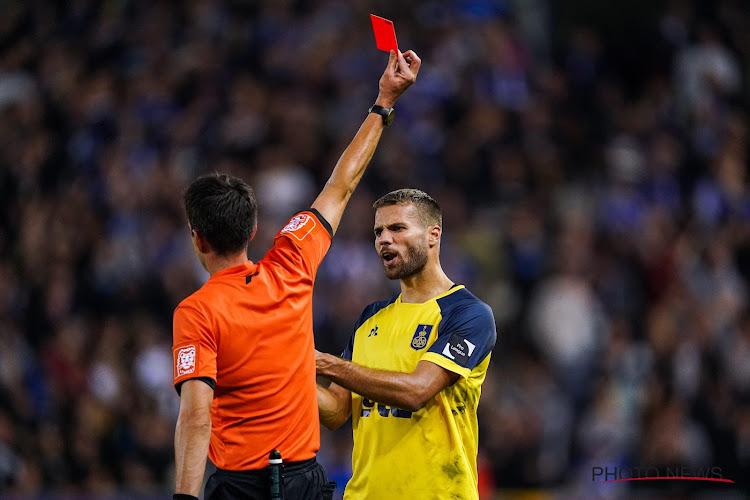 Opvallend: Bager krijgt geen schorsing na discutabele rode kaart tegen Racing Genk