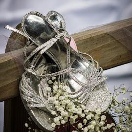 The Wedding Shoes by Rhonda Mullen - Wedding Details ( lacy, decorations, shoes, babies breath )
