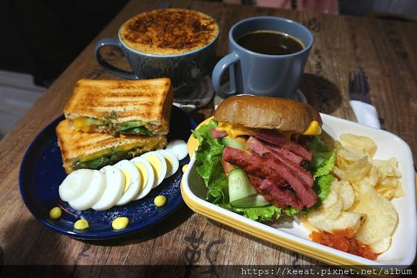 好吃又特別的牛肉漢堡 美式咖啡也不錯-Jiala coffee 加辣咖啡@中山國中站@榮星花園