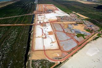 Photo: Área de processamento da Anglo junto ao T1 do Porto do Açu