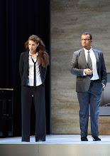 """Photo: WIEN/ Theater in der Josefstadt: """"VOR SONNENUNTERGANG"""" von Gerhard Hauptmann. Premiere 3.9.2015. Martina Ebm, Nikolaus Okwonko.  Copyright: Barbara Zeininger"""