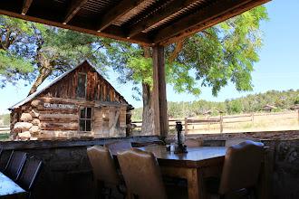 Photo: Ontbijt met zicht op de ranch