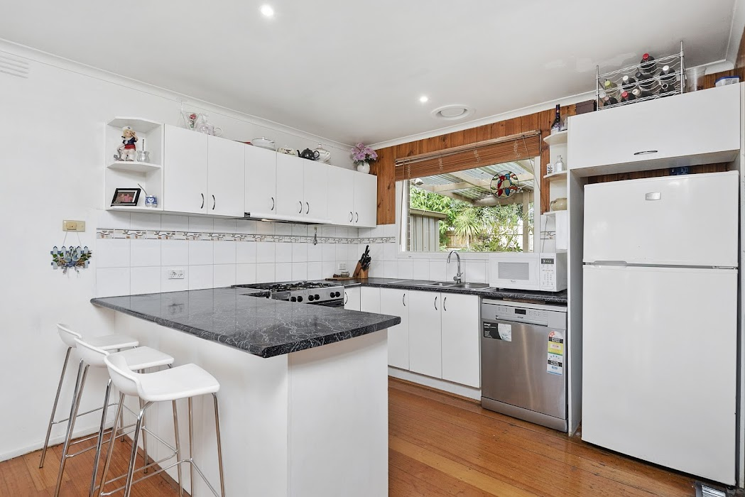 Main photo of property at 6 Arkwright Court, Noble Park North 3174