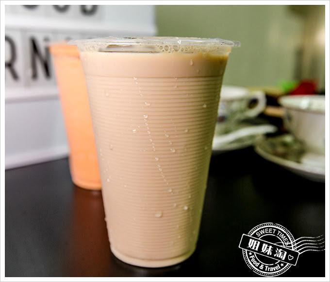 諭泉冰果店紅茶豆乳