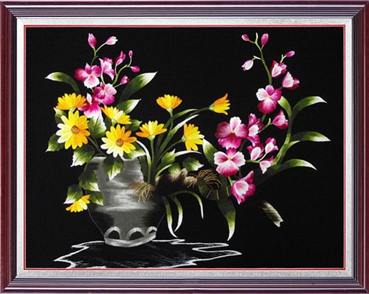 Tranh thêu hoa lan và ý nghĩa đặc biệt trong phong thủy 5
