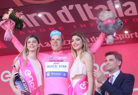 La maglia rosa premiata di Antonio De Felice
