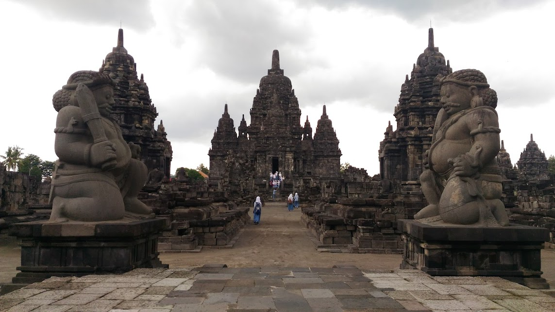 the magnificent buddhist candi sewu