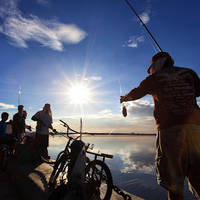 Catch for the Day by Hiram Abanil - Novices Only Street & Candid ( fishing )