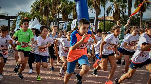 Almería celebra su gran fiesta del deporte con  La Desértica