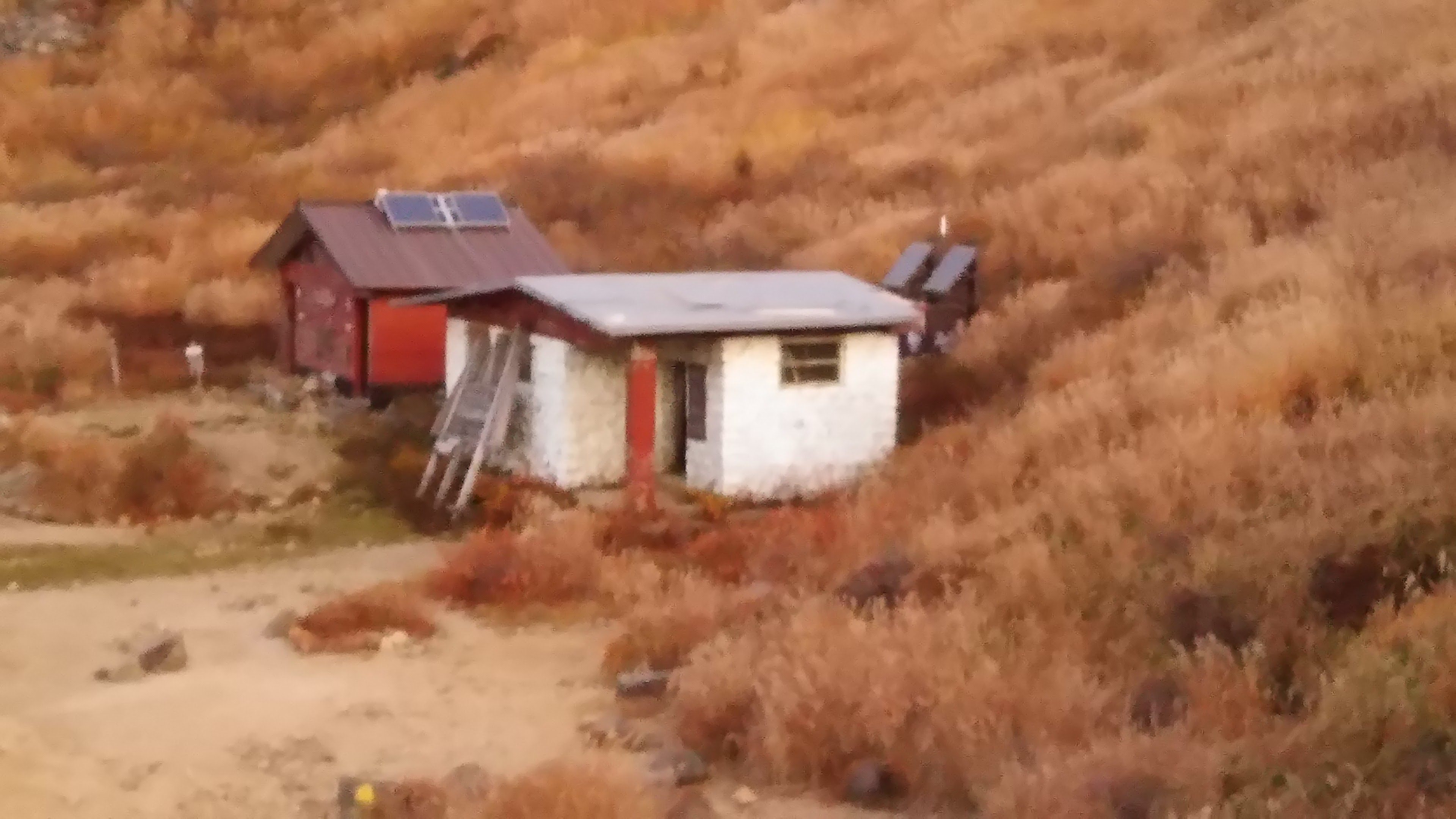 一夜の命を守ってくれた避難小屋