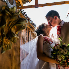 Wedding photographer Mikhail Zykov (22-19). Photo of 20.08.2018