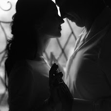 Wedding photographer Milena Dukhnenko (milenawed31kmv). Photo of 31.10.2017