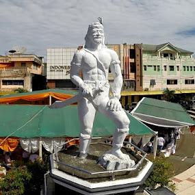 Dotu Lolong Lasut by Ridwan Resmana - Buildings & Architecture Statues & Monuments