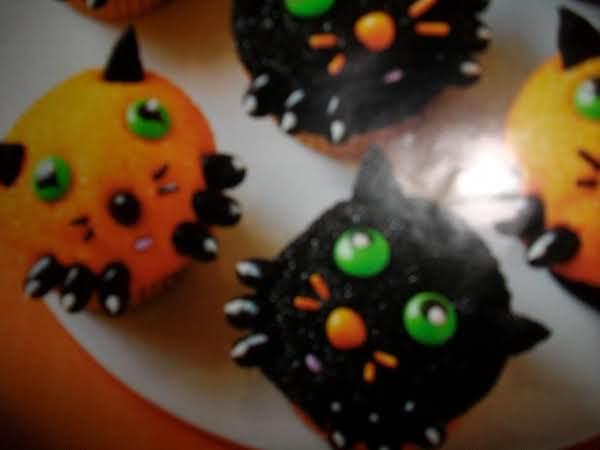 Kitten Cupcakes For Halloween