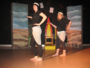 Photo: Teatteri Mirax, Savitri and Wali Dad, 2008