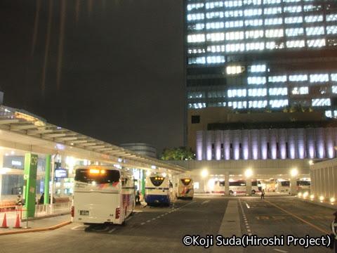 西鉄「はかた号」 0001 バスタ新宿発車