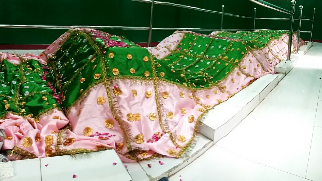 Dargah Paanch Peer - Shrine in New Delhi