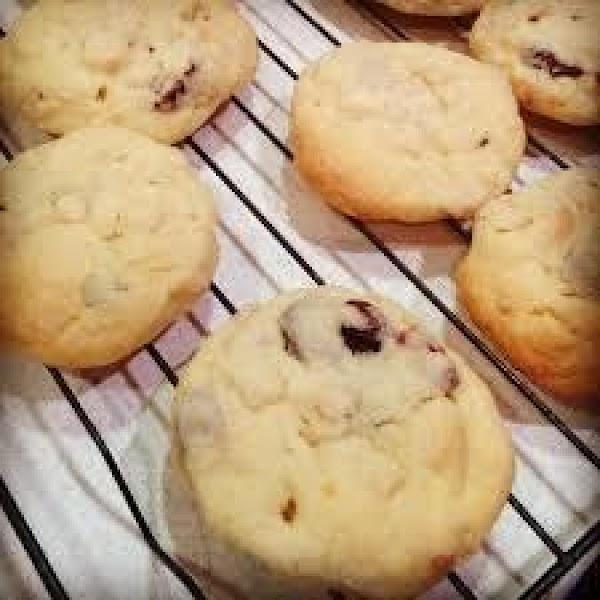 Cranberry White Chocolate Shortbread Cookies Recipe