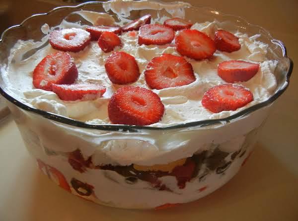 Scrumpious Berry Trifle