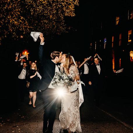 Fotograful de nuntă Elizabeth Lloyd (Garden1a1). Fotografie la: 25.01.2018