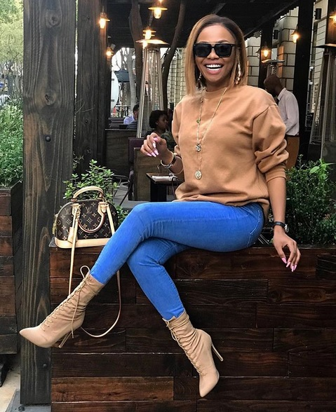 Queen B hit back at erstwhile bestie Somizi as the fur flew around the Feather Awards.